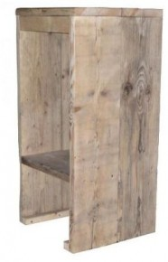 Voor gebruik aan een tuinbar kun je heel goed een steigerhouten barkruk kopen of zelf maken.